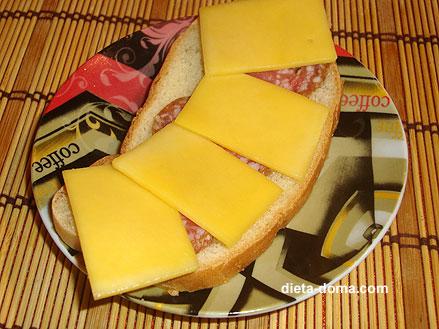 Бутерброд с колбасой в граммах